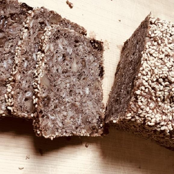 [クール冷蔵便]《自家製サワー種使用》国産ライ麦ドイツパンセット[M]05