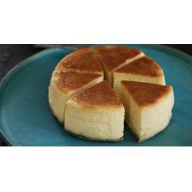 濃厚ながらも甘さ控えめで、さわやかな口当たり。フレンチレストラン SIOのチーズケーキ。