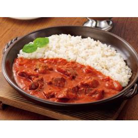 トマトの酸味が爽やかな味わいの中辛カレーです。