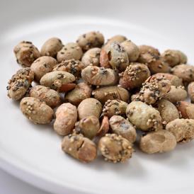 表面はカリカリ・中はサクサクに仕上げた北海道産大豆のスパイシーな黒胡椒味