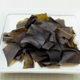 北海道産の昆布を天然だしで味付けをし、昆布のうまみを引き出しました。