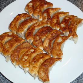 人気の手作り焼き餃子セット 【焼き餃子(18個)、小籠包(12個)、肉焼売(6個)】中華点心(餃子お取り寄せ)