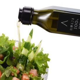 島根県大田市で栽培された生のえごま種子を低温圧搾したオイルです。