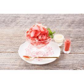 甘熟苺の果肉をまるごと削った甘くてつめたい苺スイーツです!
