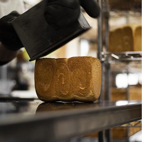 """【1日限定30個】""""食パン一筋18年"""" 素材の甘みと風味を追求した究極の食パン 1.5斤 2個セット05"""