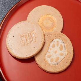 自家製の豆乳、京ゆば、おからを使用し、4種類の違う素材を上に乗せて焼き上げています。