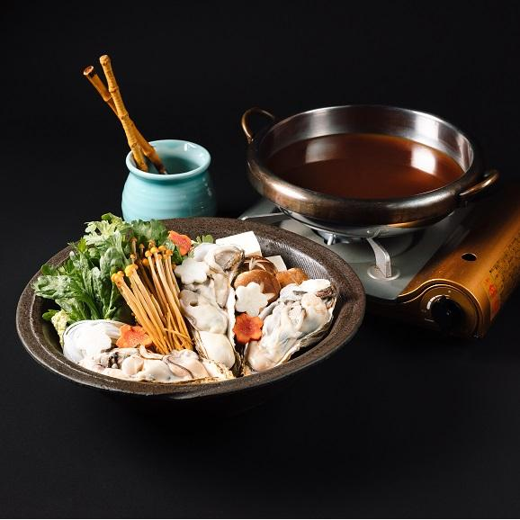 牡蠣土手鍋セット【1人前】届いてすぐに食べられるアルミ鍋入り。牡蠣・野菜・赤みそだし汁・北海道産杵うちうどん02