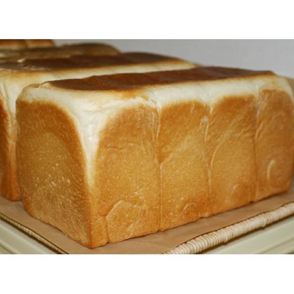 【角型食パン(1斤)】食パンは、なんといっても生地が命!トランス脂肪酸フリー 厳選素材の正統派王道食パン(1個約380g)01