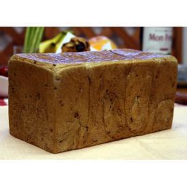 【五穀食パン(1斤)】ミネラル成分が豊富な五穀をたっぷり生地に練り込みました。生地はフレッシュバターなど厳選素材を使用しています(1斤約380g)