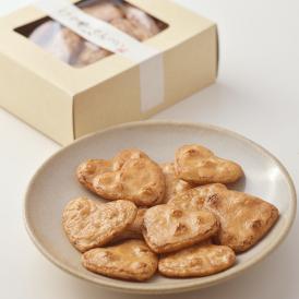 SP market自慢の「くさや汁」を使用した、 小さなかわいいハート型のお煎餅!