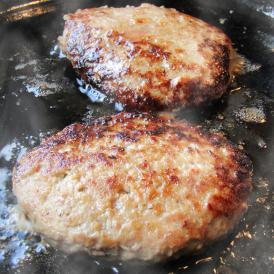 【冷凍】贅沢オリーブ牛こだわりハンバーグ 100g×2個入り ハンバーグソース付き【 ハンバーグ  惣菜 お取り寄せ 冷凍 ソース】