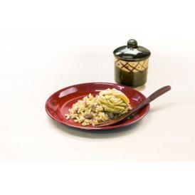 オリジナルの陶器にいれたオール国産原料のモンブランです。