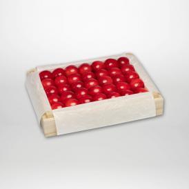 佐藤錦の特撰桐箱詰2Lサイズ約300gです。
