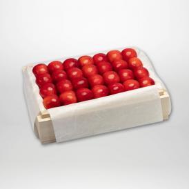 紅秀峰の特選桐箱詰2~3Lサイズ約500gです。
