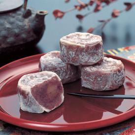 あっさりとした甘さ、風味豊かな小豆と上品な栗の食感が絶妙なハーモニーを奏でます。
