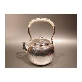 茶器・茶道具 銀瓶 阿古陀(あこだ)型 湯沸 銀仕上、秀峰堂作