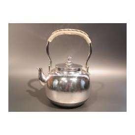 茶器・茶道具 銀瓶 丸型 湯沸 銀仕上、秀峰堂作