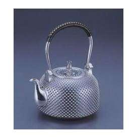 銀製茶器・茶道具 純銀製 釜型 霰(あられ)銀瓶 大野芳光作