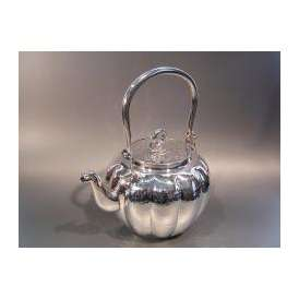 銀製茶器・茶道具 銀瓶 純銀製 南鐐 阿古陀(あこだ)型 龍口 湯沸 一政堂  四代目 伊藤邦夫作