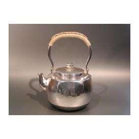 茶器・茶道具 銀瓶 六角肩衝(かたつき) 湯沸 銀仕上、秀峰堂作