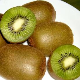キウイフルーツ (緑肉)「キラキラキウイ」約3.6kg 33個入り(120g/1個)福岡産