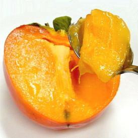 甘さ抜群!スプーンで食すとろとろ軟らかい果肉の大玉柿