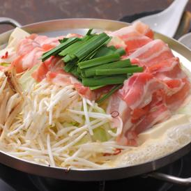 特選豚肉200g入って、麺は、フェットチーネのような平打ち面。とてもおいしいです。