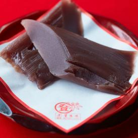 添加物を一切使用していない自家製餡を、竹の皮で包み蒸しあげました。
