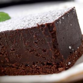 チョコレート 濃厚 ガトーショコラ 1本(270g) クーベルチュールチョコレート使用 スイーツ ケーキ 洋菓子 お菓子 ギフト プレゼント おやつ お礼 贈り物 お取り寄せ