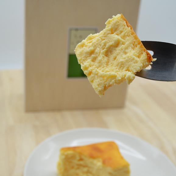 【母の日ギフト】ベイクドチーズケーキ[木箱入り]02