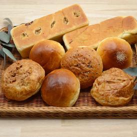 上品な味わいのスイーツパン6個と、酒種を使った食パン型あんぱんのセットです。