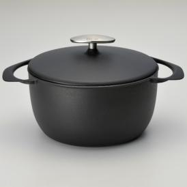 世界最軽量を実現した鋳物ホーロー鍋シリーズ「UNILLOY」