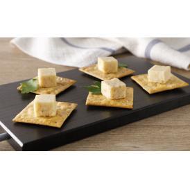 常にできたてを提供する料理人たちの心意気が生きた創作チーズです。