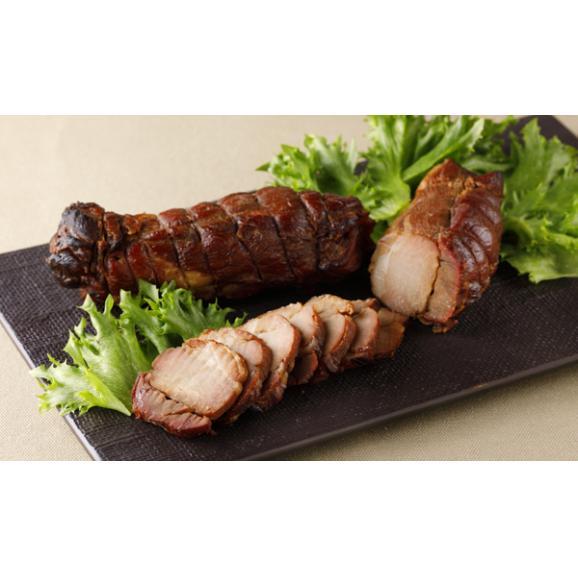 鹿児島産黒豚の炭焼き焼豚01