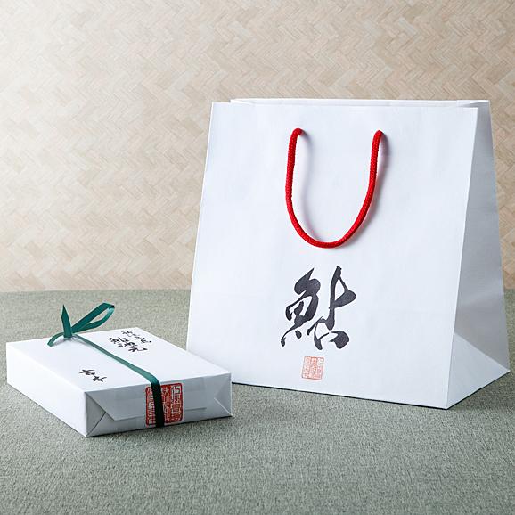 活鰻しぐれ煮 桐箱詰め02