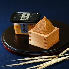 長年培ってきた醸造技術と、平成7年度「現代の名工」認定者永田富浩の経験と業が織り成すこだわりのお味噌