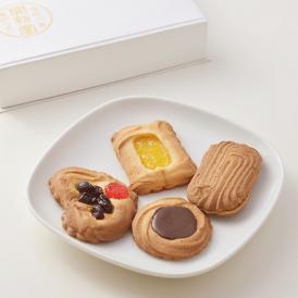 フレッシュバターの香りと生クリームのコクが広がる、昔から愛される焼き菓子です。