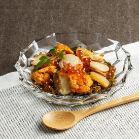 甘辛く絶妙な味付けで、ご飯のお供に最適な自然の宝箱「海宝珠漬」です。